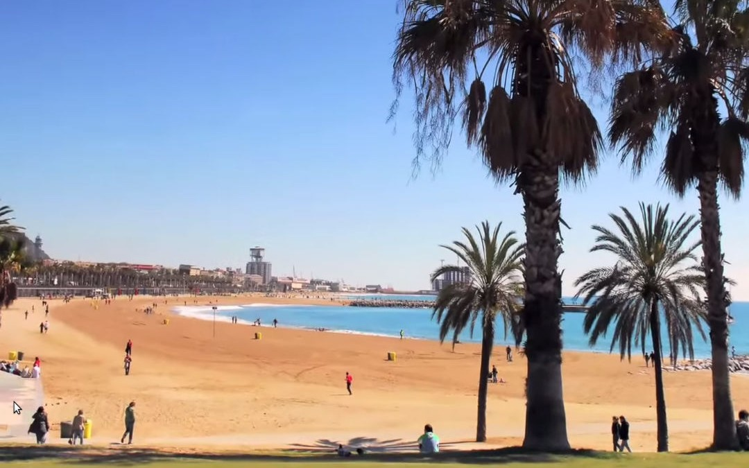 Barcelona Travel Guide: 10 Must-See Sites!