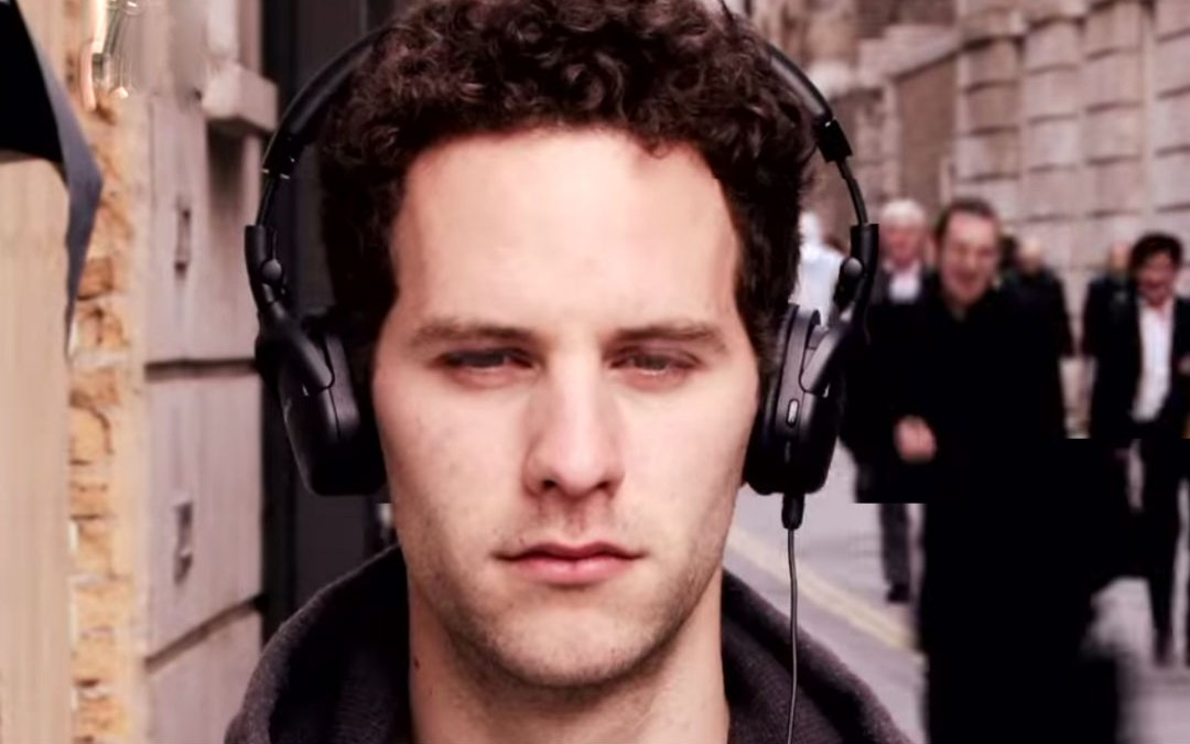 4 Superb-Quality Noise Cancelling Headphones for Travel