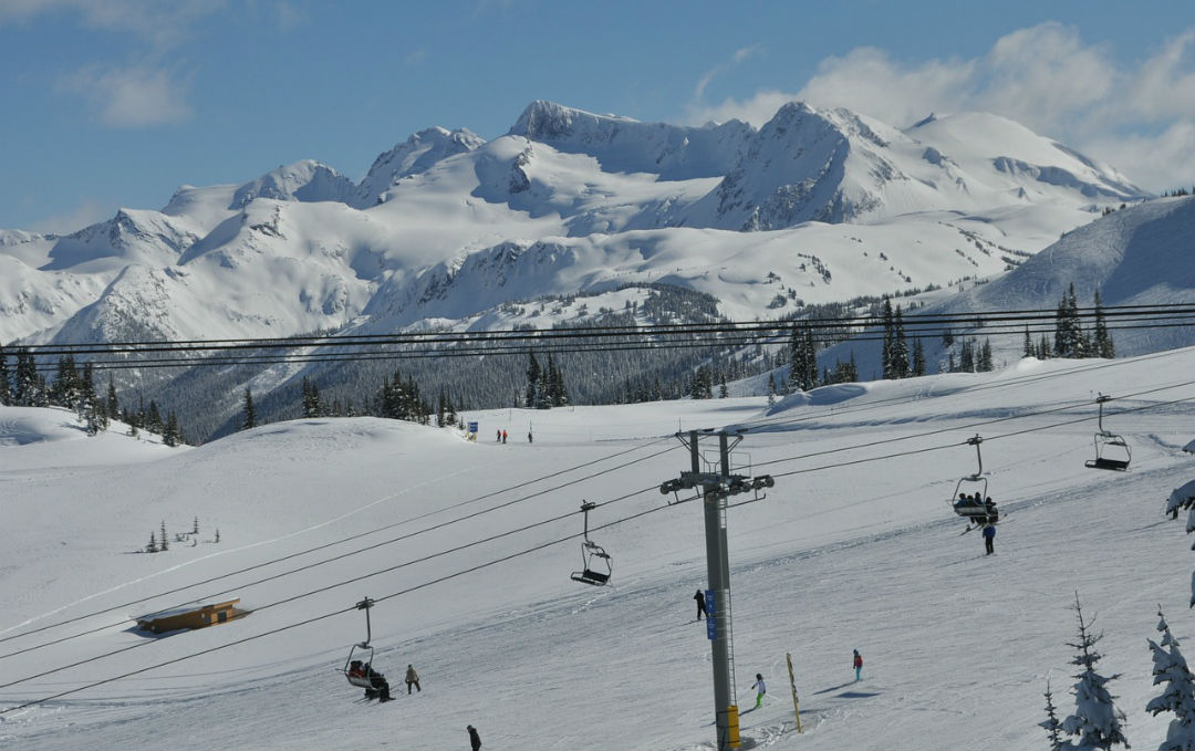 Choose one of the world 39 s top 10 ski resorts for winter for Best winter vacations in canada
