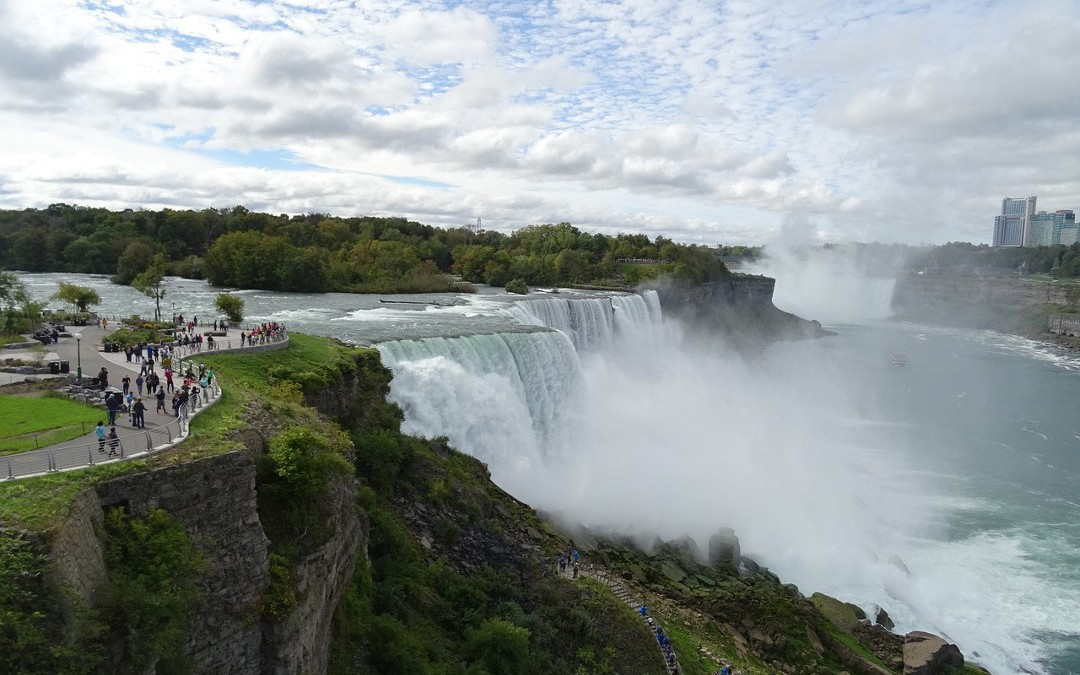 4 Amazing Reasons to Visit Niagara Falls