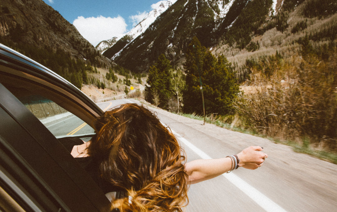 how to travel with no money or car
